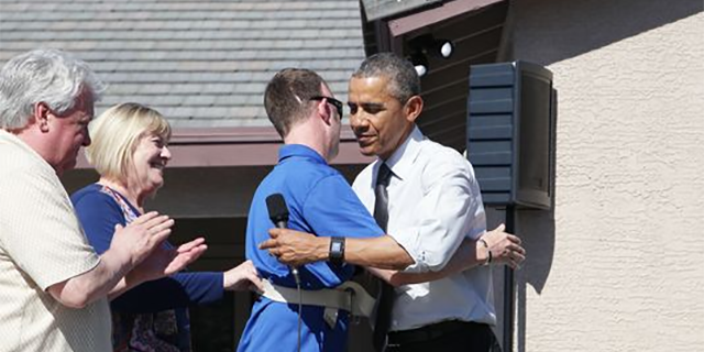 Wounded soldier gets surprise visit from Obama- USA TODAY