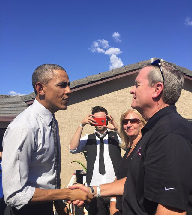 Obama Reinforces Bond With Wounded Veteran at Arizona Home – The New York Times
